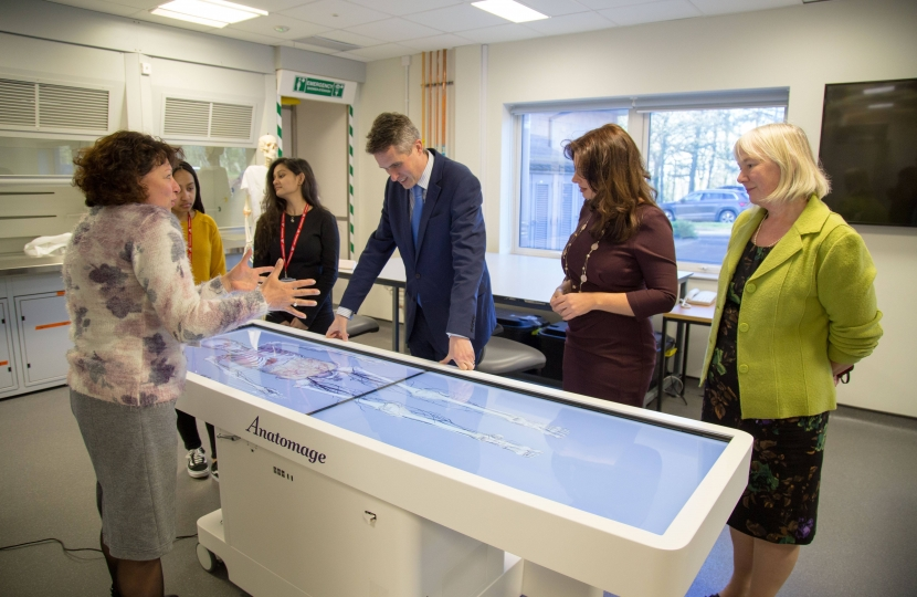 Trudy highlights local organisations to Defence Secretary during visit